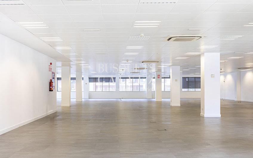 oficina-alquiler-lepant-eixample-sagrada-familia-espacio diáfano